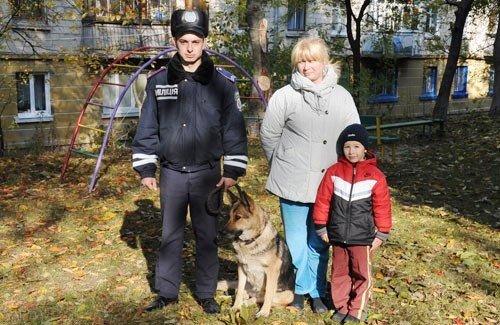 В Тернополі першокласника, що чкурнув до дівчат, шукали з міліцейською собакою, фото-1