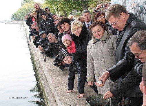 В Николаеве в реку выпустили более 20 тысяч мальков белого толстолобика (ФОТО), фото-4