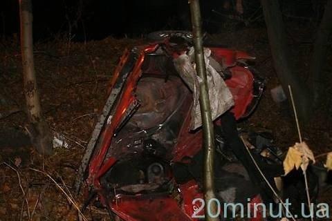 Поблизу Вінниці автомобіль розірвало навпіл (ФОТО), фото-9