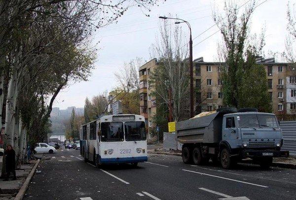 После завершения реконструкции в центре Донецка троллейбусы стали двигаться по новому маршруту (фото), фото-3