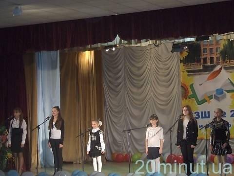 У Житомирі учасники студії «Горицвіт»презентували свою поетичну збірку «Життя навколо мене» (ФОТО), фото-9