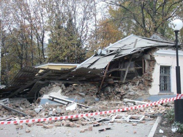 В Донецке начали расчищать завалы после страшного взрыва, уничтожившего морг (фото), фото-2