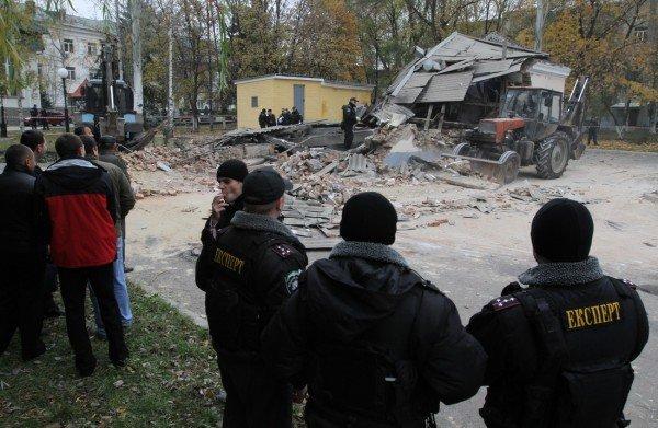 Взрыв морга чудом не уничтожил всю Донецкую железнодорожную больницу (новые подробности, фото), фото-2