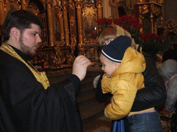 Тысячи дончан пришли поклониться мощам Иоанна Крестителя и Николая Чудотворца (фото), фото-5