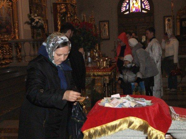 Тысячи дончан пришли поклониться мощам Иоанна Крестителя и Николая Чудотворца (фото), фото-6
