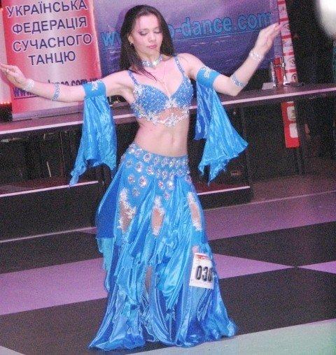 В Тернополі 500 дівчат виконали танець живота (фото, відео), фото-2