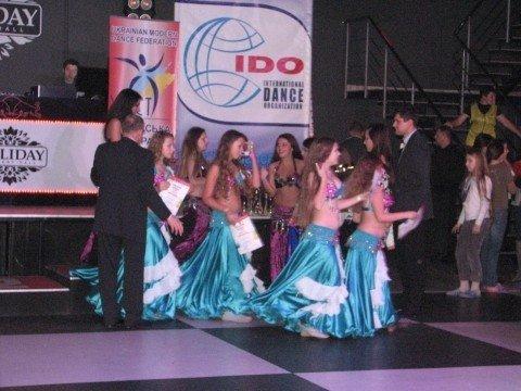 В Тернополі 500 дівчат виконали танець живота (фото, відео), фото-7