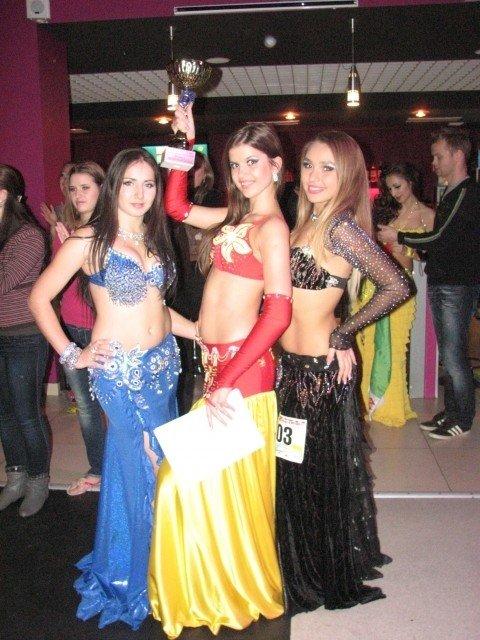 В Тернополі 500 дівчат виконали танець живота (фото, відео), фото-11