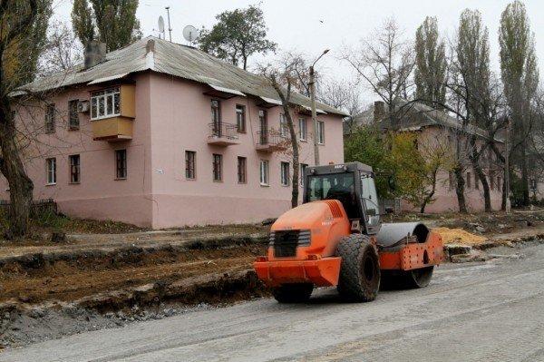 Лукьянченко посетовал, что он не мэр Мадрида, вот тогда бы в Донецке дома красили бы со всех сторон сами дончане (фото), фото-2
