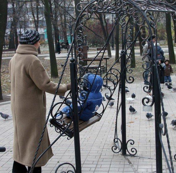 В центре Донецка вандалы устроили погром в Парке кованых фигур (фото), фото-4