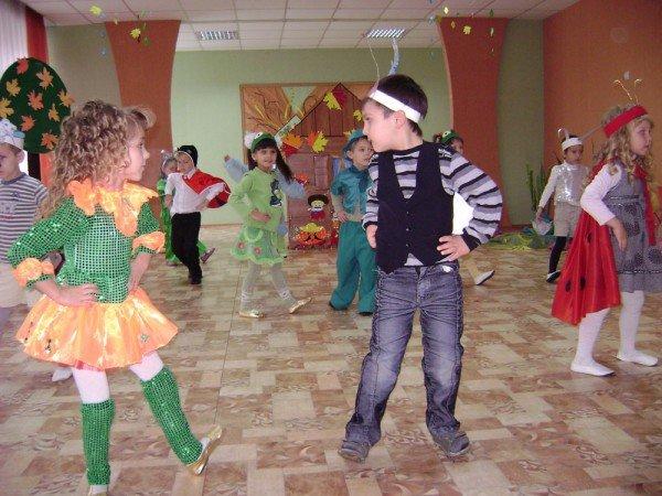 В Артемовском детском саду сегодня танцевали комары, бабочки и стрекозы, фото-3