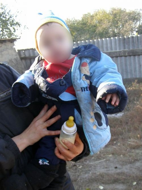 Трое малолетних детей сидели голодными в доме-сарае пока их мать пьянствовала с подругой  (ФОТО), фото-4