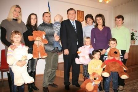 Пацієнти Тернопільської обласної дитячої лікарні отримали благодійне медобладнання, фото-1