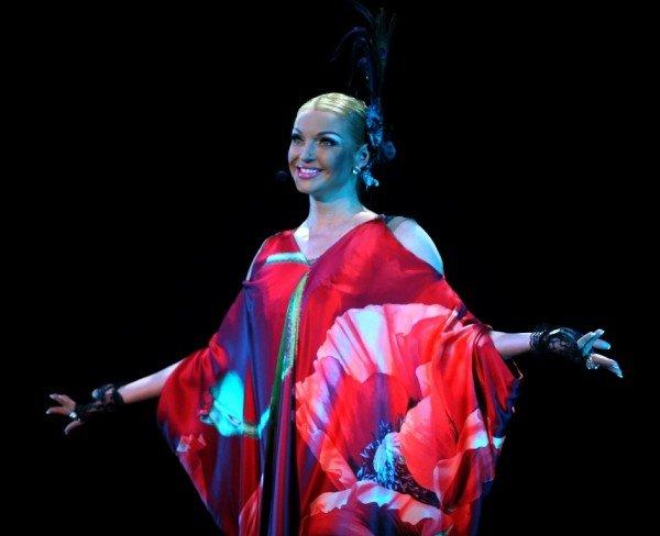 Анастасия Волочкова в Донецке дебютировала в роли певицы (фото), фото-2