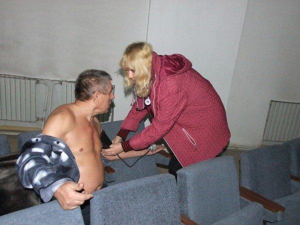 Чернобыльцы в Донецке продолжают голодовку и уже ставят палатки (фото), фото-1