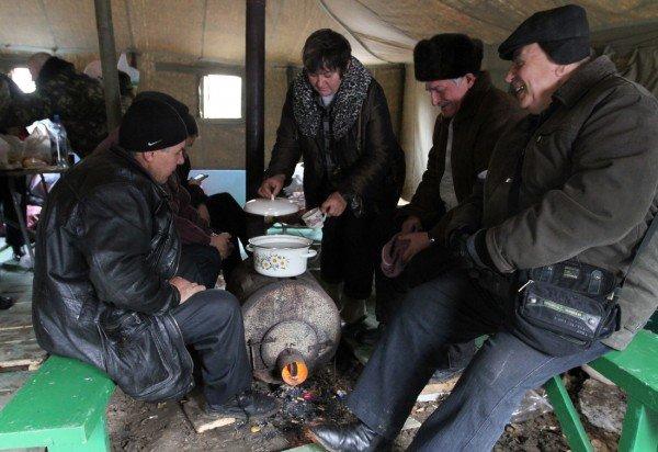 Голодающим чернобыльцам в Донецке угрожают уголовными делами - «Они ждут штурма? Не дождутся!» (фото, видео), фото-4