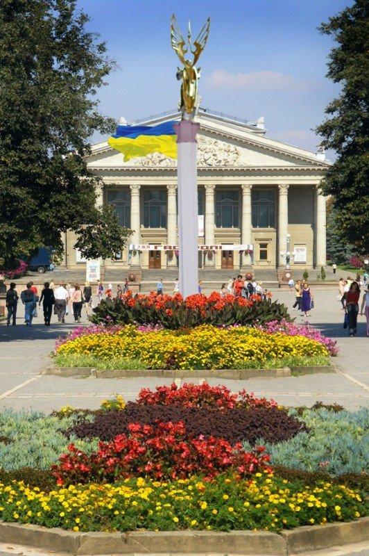 Тернополян закликають долучитися до спорудження пам'ятника Незалежності України, фото-1