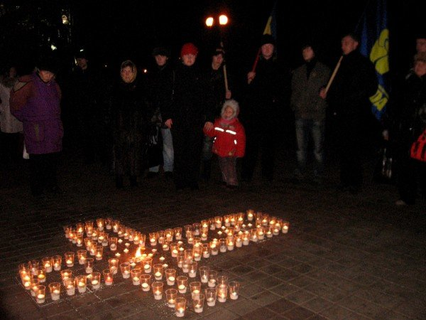 В Артемовске акция в память жертвам голодомора  закончилась панихидой, фото-5