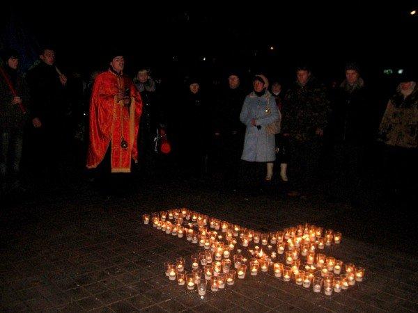 В Артемовске акция в память жертвам голодомора  закончилась панихидой, фото-7