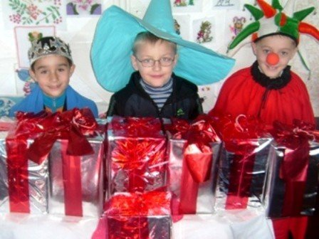 В одной из горловских школ открылась «Мастерская Деда Мороза», фото-1