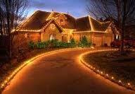 Мерія звернулася до ужгородців з проханням прикрасити фасади новорічними гірляндами, фото-1