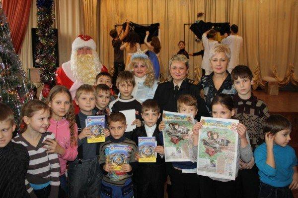 В Запорожье пожарный Дед Мороз напомнил детям о безопасности  (ФОТО), фото-9