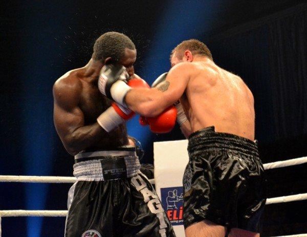 ФОТОРЕПОРТАЖ: В Запорожье прошел боксерский бой за титул серебряного чемпиона по версии WBC, фото-1
