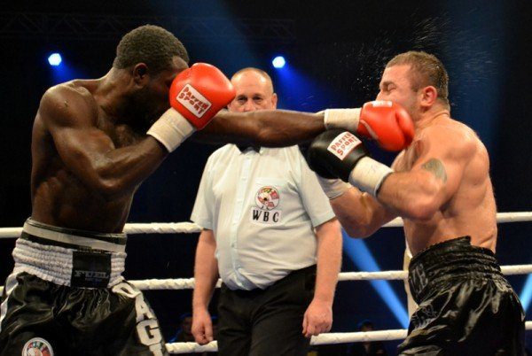 ФОТОРЕПОРТАЖ: В Запорожье прошел боксерский бой за титул серебряного чемпиона по версии WBC, фото-4