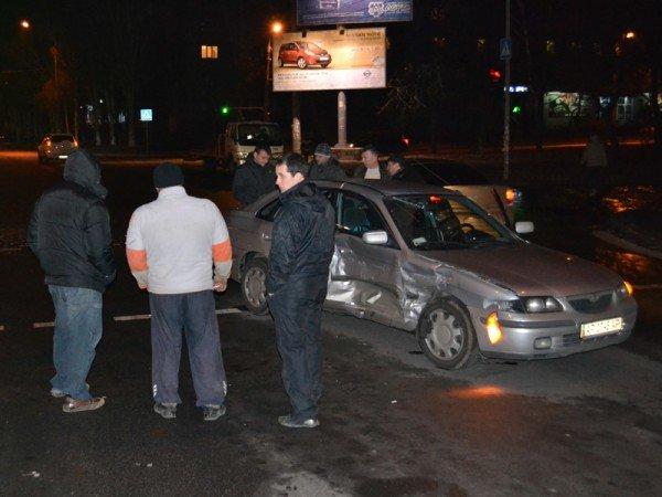 В Запорожье «Мазда» столкнулась с «Ладой», есть пострадавшие (ФОТО), фото-2