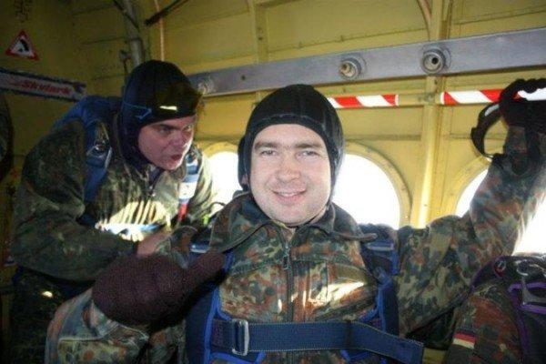 Крымский министр выпрыгнул из самолета (ФОТО), фото-3