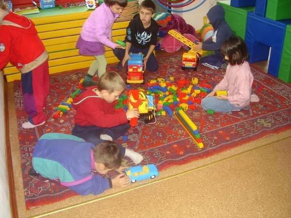 Запорожские волонтеры устраивают в детских домах игровые комнаты  (ФОТО), фото-2