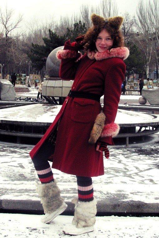 Запорожские дети водили хоровод вокруг городской елки вместе с эльфами и Снегурочками (ФОТО), фото-1