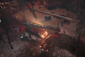 25-летняя дончанка, пытаясь спастись,  выпрыгнула из окна пятого этажа охваченной огнем квартиры и погибла (фото), фото-1