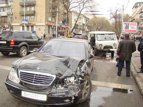 Священик на Mercedes 500SL поспішав на службу і скоїв ДТП (фото), фото-4