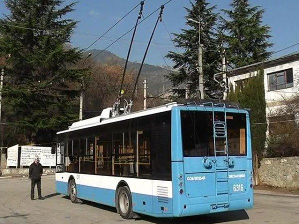 В Ялте испытали горные троллейбусы (ФОТО+ВИДЕО), фото-1