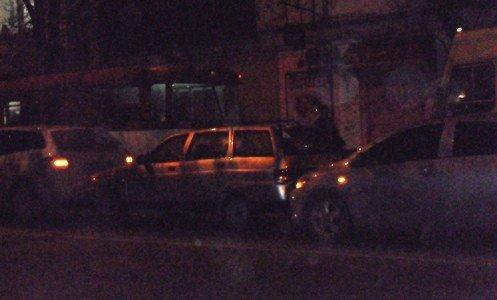 Дама за рулем «Тойоты» собрала в центре Симферополя «паровозик» (фото), фото-3