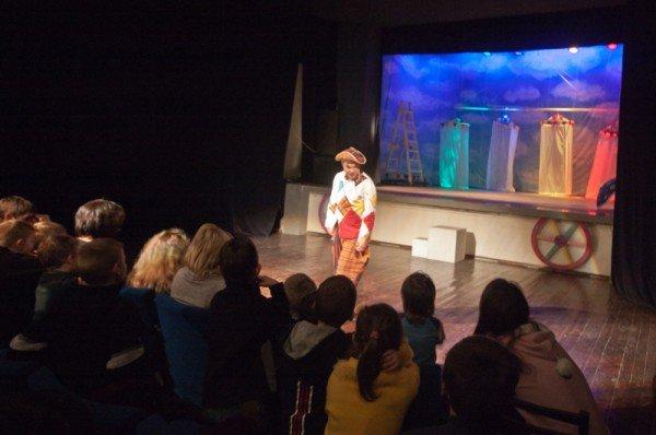 В Запорожье театр «Vie» показал благотворительный спектакль для детей  (ФОТО), фото-1