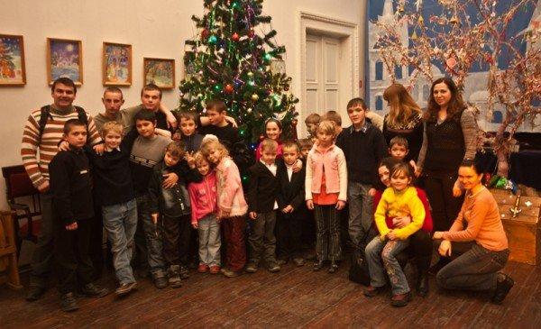 В Запорожье театр «Vie» показал благотворительный спектакль для детей  (ФОТО), фото-4