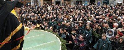У центрі Львова для громади міста освятили дві тонни води, фото-3