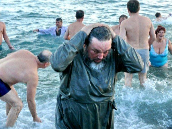 Ялтинцы отметили праздник Крещения Господнего (ФОТО), фото-5
