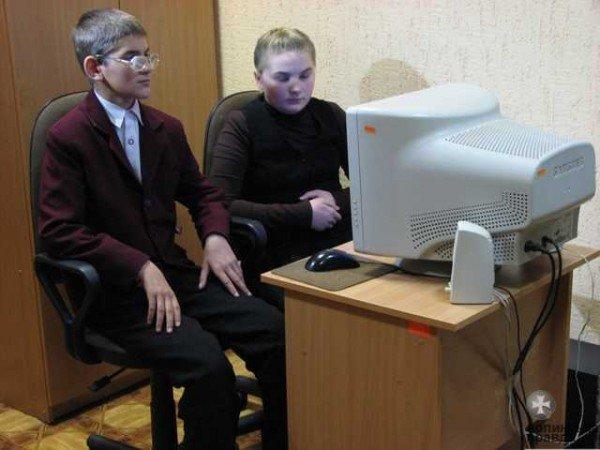 Депутати Волиньради зробили подарунок дітям із вадами зору, фото-8
