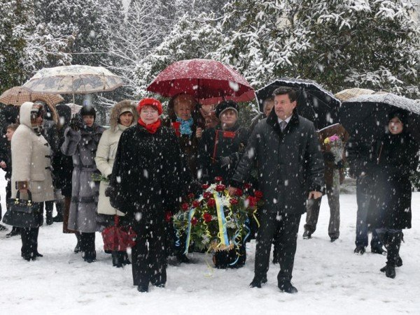 В Ялте уже начали отмечать День Соборности Украины (ФОТО), фото-2