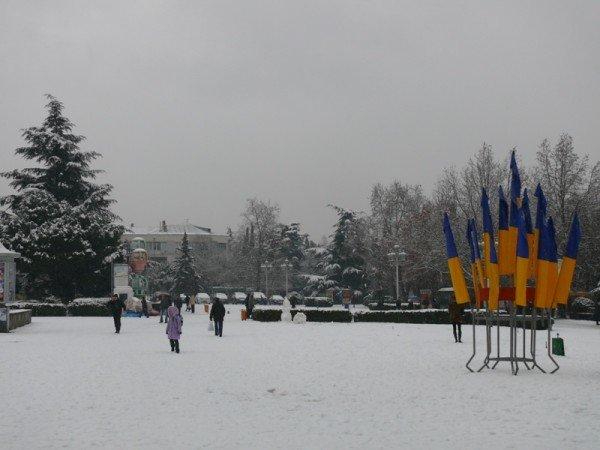 Из-за мощного снегопада все коммунальные службы Ялты работают в круглосуточном режиме (ШИКАРНЫЕ ФОТО+ВИДЕО), фото-2