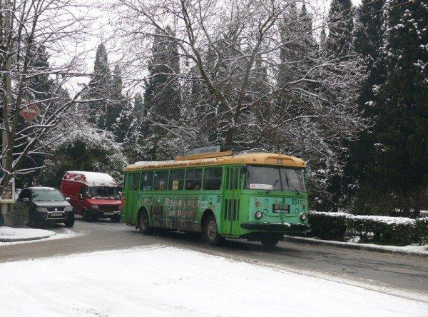 Из-за мощного снегопада все коммунальные службы Ялты работают в круглосуточном режиме (ШИКАРНЫЕ ФОТО+ВИДЕО), фото-6