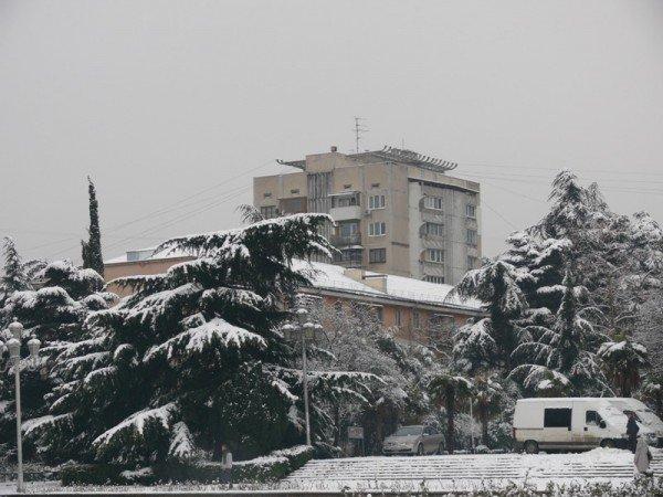 Из-за мощного снегопада все коммунальные службы Ялты работают в круглосуточном режиме (ШИКАРНЫЕ ФОТО+ВИДЕО), фото-8