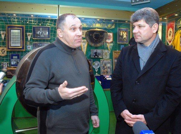 Мэр Кравченко зазывает гостей Евро-2012 в луганский музей футболиста Пеле (ФОТО), фото-8