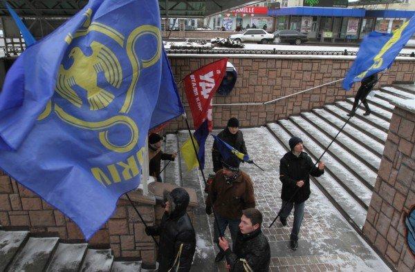 В День Соборности в Донецке подрались из-за «бандеровского» флага (фото, видео), фото-6