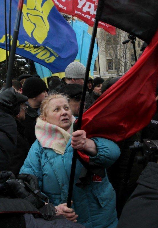 В День Соборности в Донецке подрались из-за «бандеровского» флага (фото, видео), фото-7