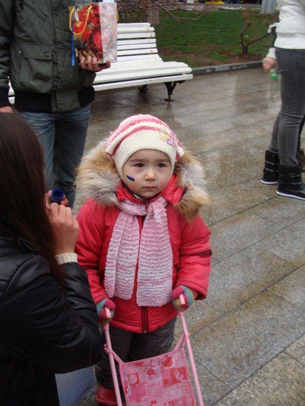 Ялте на набережной ко Дню Соборности собрали живую цепь (ФОТО), фото-5