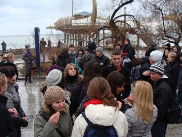 Ялте на набережной ко Дню Соборности собрали живую цепь (ФОТО), фото-4